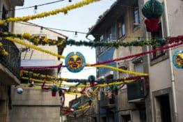 Será que conhece estas tradições dos Santos Populares?