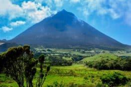 Açores: nove ilhas, quase dois mil vulcões